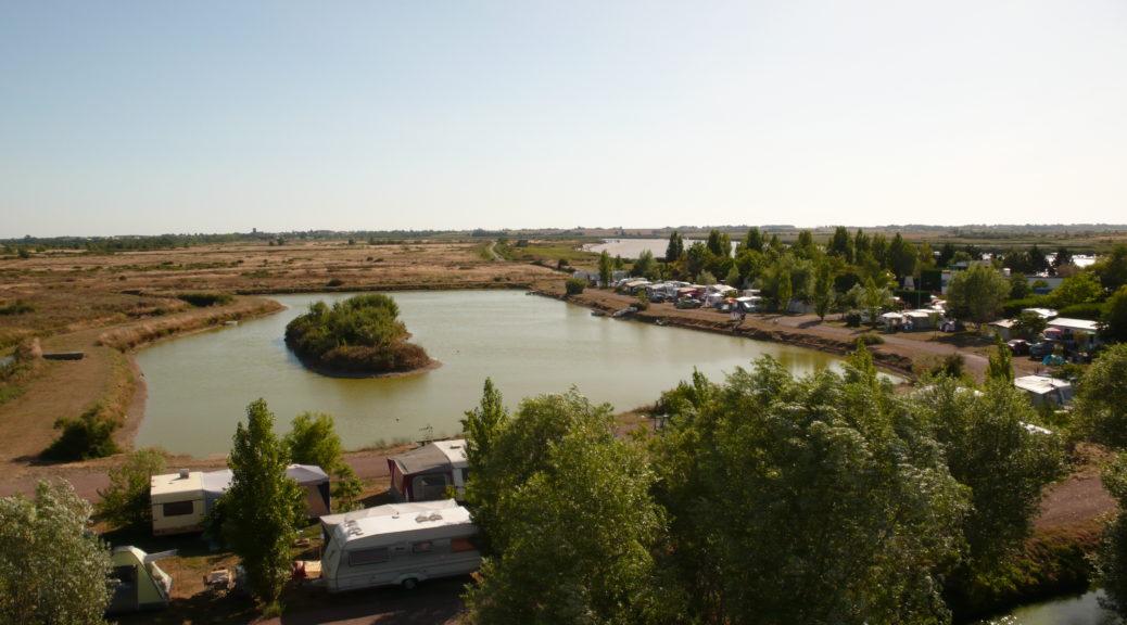 Vue incroyable sur l'étang du Camping le Bateau